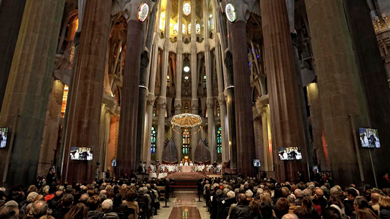 Foto del interior de la Sagrada Familia